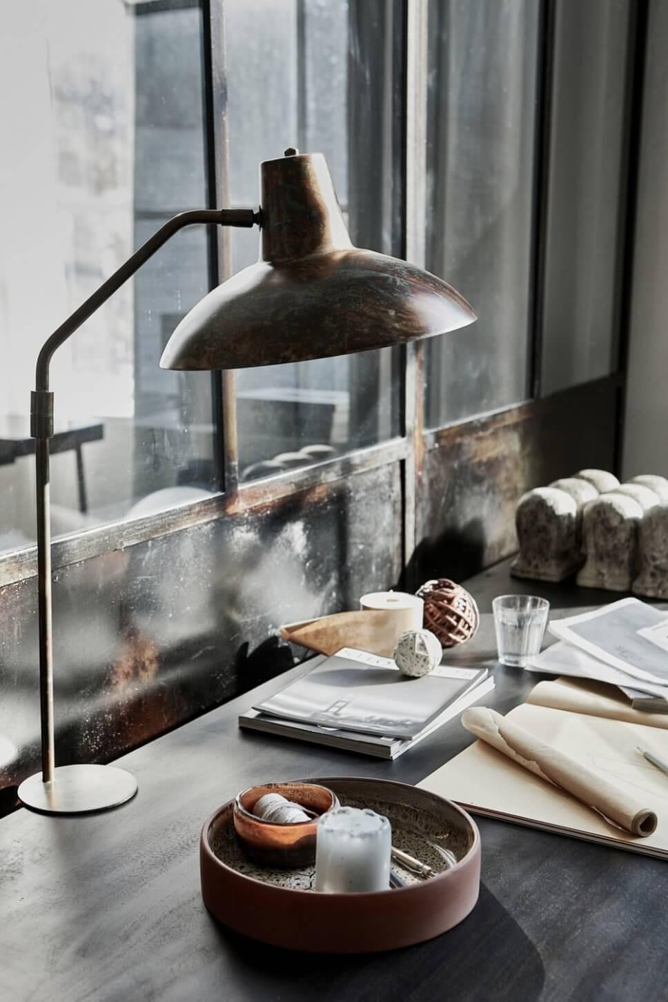 Schreibtischlampe im Industrieloft