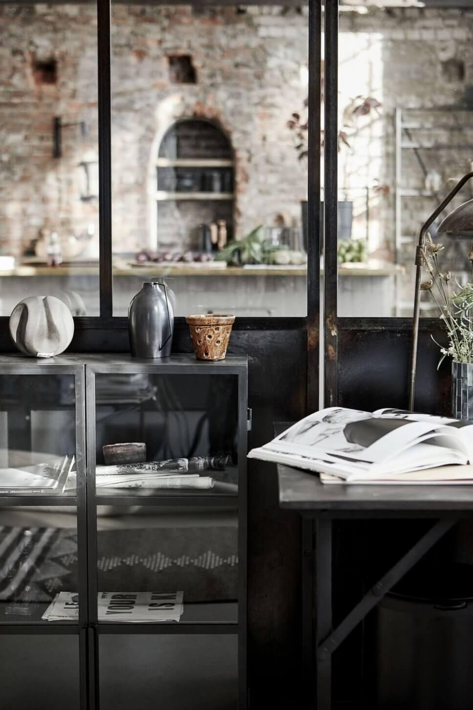Schreibtisch im Industrieloft