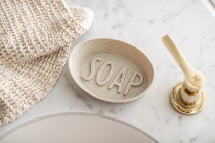 Seifenschale in modernem Badezimmer