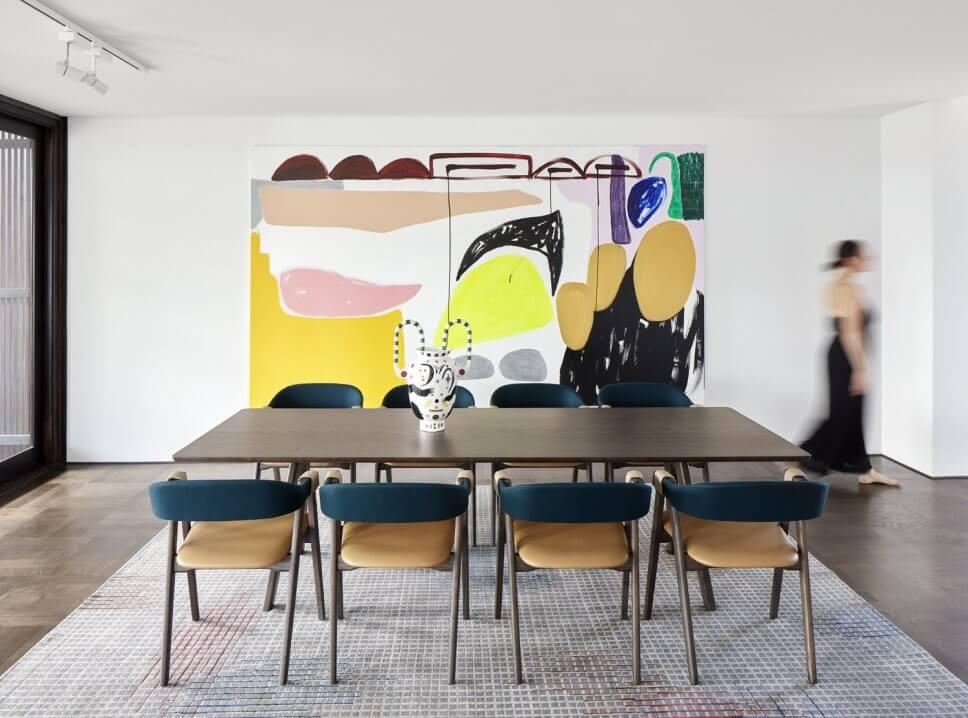 Modern eingerichtetes Esszimmer